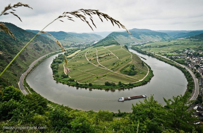 Hiking along River Mosel